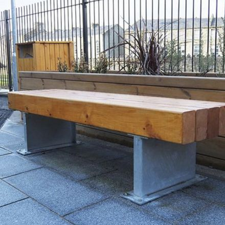Cabtree timber and steel bench
